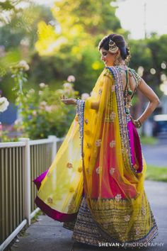 Dear followers! Presenting to you all The Crimson Bride herself, Simmi Singh! For all the details of the intimate Mehendi, the garden Sangeet, the outdoor Wedding Ceremony and glamorous Wedding Reception - follow The Crimson Bride https://www.facebook.com/thecrimsonbride and on Instagram @thecrimsonbride - Photography by Shevan J Photography - Indian wedding - Indian bride - Indian groom - Hindu wedding - Melbourne wedding #thecrimsonbride