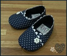 Bare Foot Sandals, Shoes Sandals, Kurti Sleeves Design, Doll Shoes, Ag Dolls, Baby Sewing, Baby Sleep, Barefoot, Girls Shoes