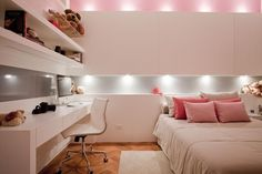 Decorating kids bedroom is fun! Particularly in case you're making the ideal space for your own youngster. Brightening children's room is fun and energizing for architects and inside decorators. Teen Bedroom, Home Bedroom, Bedroom Decor, Bedroom Themes, Bedrooms, Bedroom Lighting, Nursery Themes, Dream Rooms, Dream Bedroom