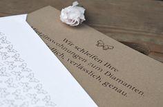 Direct mailing mit Lasergravur auf Schleifpapier für einen Bauträger im Premiumsegment - PERIANT. Corporate Design, Place Cards, Place Card Holders, Paper, Laser Engraving, Brand Design, Branding Design