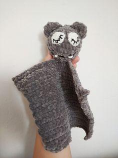 Winter Hats, Crochet Hats, How To Make, Fashion, Knitting Hats, Moda, Fashion Styles, Fashion Illustrations