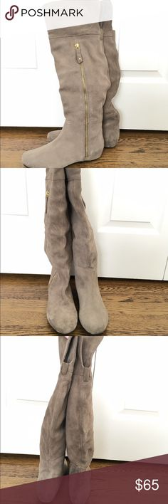 Steve Madden Gray Boots Gorgeous Steve Madden gray boots with golden zipper and small hidden wedge inside. Boots are new, never been worn; size 6M Steve Madden Shoes