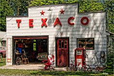 Retro Tex by Edith Levy on Drive In, Old Gas Pumps, Vintage Gas Pumps, Old Abandoned Buildings, Old Buildings, Classic Car Garage, Fuel Truck, Pompe A Essence, Outdoor Buildings