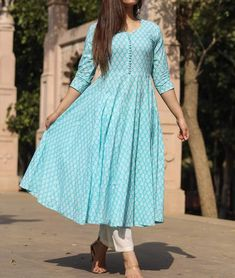 Frock Fashion, Indian Fashion Dresses, Indian Gowns Dresses, Indian Designer Outfits, Designer Dresses, Simple Kurti Designs, Kurta Designs Women, Salwar Designs, Dress Neck Designs