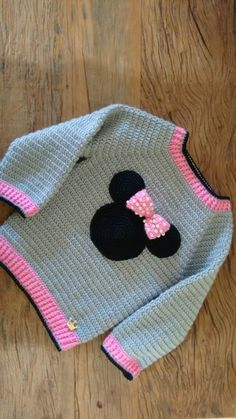 Viter with Minnie Mouse for a girl, warm knit витер с Минни Маус для девочки, теплый вязан… viter with minnie mouse for a girl, warm knitted sweater, stylish pullover for a girl - Crochet Baby Sweater Pattern, Crochet Baby Blanket Beginner, Crochet Baby Sweaters, Baby Girl Sweaters, Baby Girl Crochet, Crochet Baby Clothes, Crochet Motif, Crochet For Kids, Baby Knitting