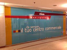 Vetrina presso il Centro Commerciale Il Giulia. Cliente: Il Giulia