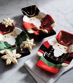 Each whimsical tray is deep enough to use as a snack bowl or simply as a festive accent. Each is crafted of 100% earthenware and individually handpainted. Monogrammed Napkins, Snack Bowls, Luxury Home Decor, Ceramic Bowls, Earthenware, Bowl Set, Serving Bowls, Christmas Gifts, Tray