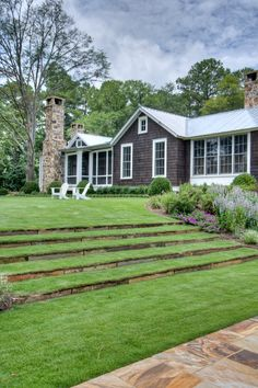 Garden Patio Steps Lawn 48 New Ideas Garden Patio Steps Lawn 48 New Ideas – Modern Terraced Landscaping, Farmhouse Landscaping, Farmhouse Garden, Farmhouse Design, Front Yard Landscaping, Landscaping Ideas, Terraced Backyard, Privacy Landscaping, Garden Paving