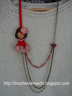 Discover thousands of images about Broches Felt Necklace, Fabric Necklace, Diy Necklace, Necklaces, Kids Jewelry, Jewelry Crafts, Handmade Jewelry, Textile Jewelry, Fabric Jewelry