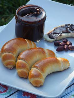 Ízőrző: Gyors házi vajas kiskifli Nutella, Kaja, Pretzel Bites, Bagel, Low Carb, Sweets, Bread, Food And Drink, Baking