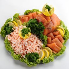 Bilderesultat for koldtbord bilder Cobb Salad, Cantaloupe, Risotto, Tapas, Buffet, Brunch, Food And Drink, Plates, Snacks