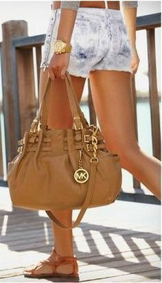 Michael kors bag and wallet. I'm in love!$57.99