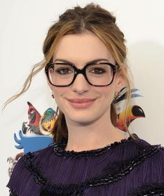 My Favorite Glasses That Aren t Black  Anne Hathaway in glasses Óculos De  Grau 9fcd2482e3