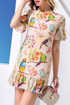 Shop huasilinlon orangepink flounce ruffles sheath bird print dress here, find your mini dresses at dezzal, huge selection and best quality. Simple Dresses, Cute Dresses, Casual Dresses, Short Sleeve Dresses, Floral Dress Outfits, Mini Dresses, Elegant Outfit, Classy Dress, Stylish Outfits