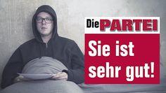 """""""Die Partei"""" macht mit Nico Semsrott den klügsten Spot zur Bundestagswahl  Am 24. September, also in nicht einmal einem Monat, wählt Deutschland ein neues Parlament. Klar, dass der Wahlkampf schon in vollem Gange ist. Doch..."""