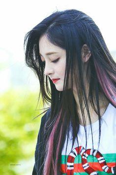 #Jookyulkyung  #kyulkyung #ZhouJieqiong #Jieqiong  #I.O.I South Korean Girls, Korean Girl Groups, Ioi Pinky, Rap, Korean Star, Korean Wave, Popular Girl, Beautiful Couple, Korean Beauty