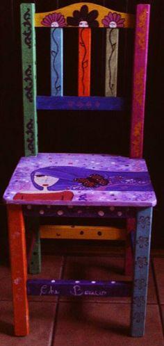 Silla de madera. Reciclada. Pintada a mano. Creado por Che Benicio