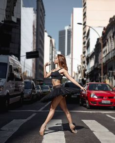 Amazing Portraits of Dancers on the Streets of Rio de Janeiro by Alessandro Marihno #photography #ballet #ballerina #portraiture #dance #art #Brazil