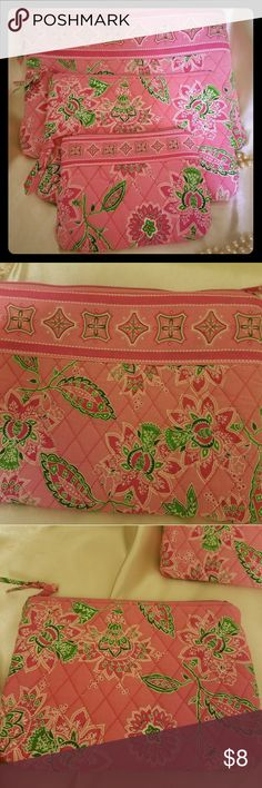 NWOT MAKEUP BAGS 3 pink paisley print BAGS with zippers , can hold MAKEUP,  jewelry,  this and that NWOT never used Bags Cosmetic Bags & Cases
