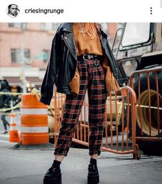 Women S Fashion Chain Crossword Key: 2791965853 Edgy Outfits, Retro Outfits, Grunge Outfits, Grunge Fashion, Cute Casual Outfits, Look Fashion, Retro Fashion, Fall Outfits, Vintage Outfits