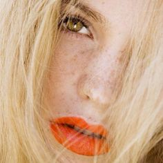 #festivalbeauty Orange lips with a natural look - stunning