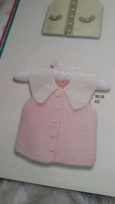 This Pin was discovered by ikb Baby Knitting Patterns, Stitch Patterns, Crochet Patterns, Knit Baby Sweaters, Crochet Bebe, Baby Vest, Baby Booties, Baby Wearing, Knitting Projects