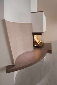 Sommerhuber, photo 2068: Tiled fireplace with backrest in flute fine