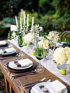 A Twilight Inspired Tablescape | The Wedding Story