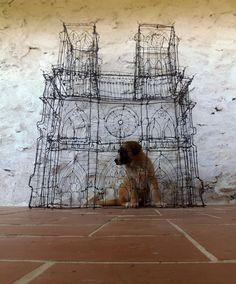Notre Dame wire sculpture by Javier Requejo more information: http://esculturasestudionap.blogspot.com.es/