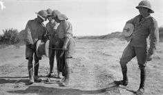 MINISTRY INFORMATION FIRST WORLD WAR OFFICIAL COLLECTION (Q 24365) Laying telephone cable. Iraq/Mesopotamia