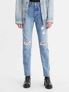 A forever classic, these jeans need no introduction. Our 501® Original Fit Jean was the first jean ever, and is still the ultimate blank canvas no matter how you dress. It's our most iconic style ; and has stayed true to itself for almost 150 years. With its signature straight fit and button fly, it doesn't get more timeless than this. Size up for a relaxed, oversized look or stay true to size for a more fitted silhouette. The original blue jean since 1873 A blank canvas for self-expression Desi Cute Sweatpants Outfit, Levis 501 Original, Recycled Denim, Jeans Fit, Jeans Levis, Skinny Jeans, Fit Women, Vintage Outfits, Cute Outfits
