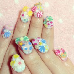 Kyary's nails <3 (I'm going to the city sometime soon to see if I can find a place that will do nails similar to this xD)