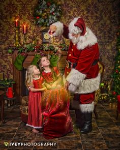 Ivey Photography Studio in Midlothian - Santa, Seniors, Weddings, Families and School Portraits Disney Merry Christmas, Happy Christmas Day, Christmas Scenes, Father Christmas, Santa Christmas, Vintage Christmas, Xmas, Santa Pictures, Christmas Pictures