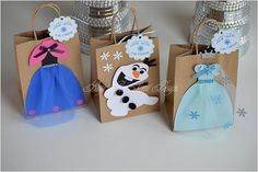 Frozen Party Favor Bags / Queen Elsa / Princess Anna / Olaf / Frozen Party Theme - Source by Frozen Candy Bags, Frozen Favor Bags, Frozen Party Favors, Frozen Invitations, Frozen Themed Birthday Party, Birthday Wall, Party Favor Bags, 3rd Birthday, Birthday Party Themes