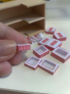dollhouse printable boxes   Tuesday, October 18, 2011