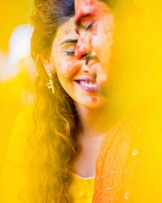 This season combine your wedding with the festival of colors that is 'Holi'. Include beautiful and vibrant colors in your life with these trendy pre-wedding photoshoot ideas for happy holi Indian Bride Photography Poses, Wedding Couple Poses Photography, Girl Photography Poses, Hipster Photography, Photography Composition, Dslr Photography, Photography Business, Photography Articles, Photo Poses For Couples