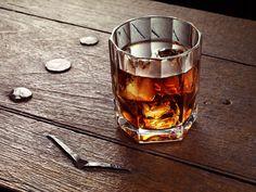 Single malt whisky in a good tumbler. Good Whiskey, Cigars And Whiskey, Whiskey Glasses, Whiskey Brands, Whisky Bar, Whiskey Girl, Malt Whisky, Bourbon Whiskey, Restaurant Diner