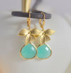 Mint Aqua Dangle Earrings with Gold Flower. Bridesmaid Earrings. Dangle. Drop. Birdal Party Gift. Jewelry Gift for Her. Wedding Jewelry. by RusticGem on Etsy