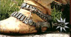 Evolución de la vestimenta del gaucho en el tiempo. Aquí encontrará todos los detalles sobre cada una de las pilchas que usaba el gaucho y como fueron cambi