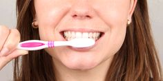 how-to-brush-your-teeth-step-one.gif (1000×500)