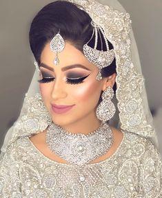 Pinterest: @pawank90 White Necklace, Gel Eyeliner, Bridal Makeup, Eyeshadow Palette, Wedding Jewelry, Pakistani, Pretty, Brides, Hair