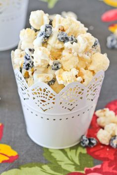 Make this delicious treat with popcorn from Lisa's Passion for Popcorn! OR come by our shop in Kaysville and try our Blueberry Muffin flavor! Blueberries & Cream Popcorn is hard to resist. What a unique treat to make for your family! Popcorn Snacks, Flavored Popcorn, Gourmet Popcorn, Popcorn Bowl, Popcorn Kernels, Sweet Popcorn Recipes, Popcorn Toppings, Candy Popcorn, Pop Popcorn