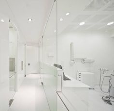 Transparency to enlarge perceptual space Dental Clinic in Lisbon / Pedra Silva Architects
