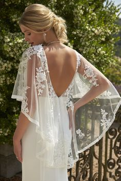 Sophisticated, elegant and oh so flattering. This gorgeous crepe style is a perfect choice for a Spring / Summer wedding or a starlight destination wedding. Backyard Wedding Dresses, Cream Wedding Dresses, Wedding Dress Sleeves, Bridal Dresses, Wedding Gowns, Best Formal Dresses, Special Dresses, Glamorous Wedding, Bridesmaids