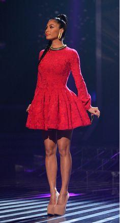 Really LOVE this dress on Nicole Scherzinger by Alexander McQueen!