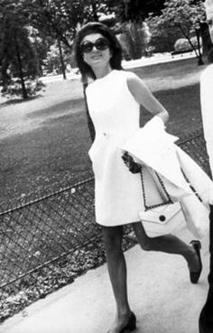 jackie o in chanel, 1970.