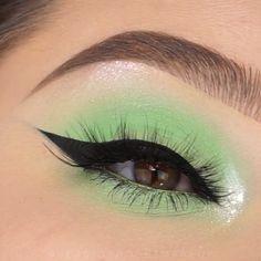 uv eyeshadow looks & uv eyeshadow ; uv eyeshadow looks Bright Eye Makeup, Makeup Eye Looks, Green Makeup, Colorful Eye Makeup, Pretty Makeup, Gorgeous Makeup, Green Eyeshadow Look, Eyeshadow Looks, Eyeshadow Makeup