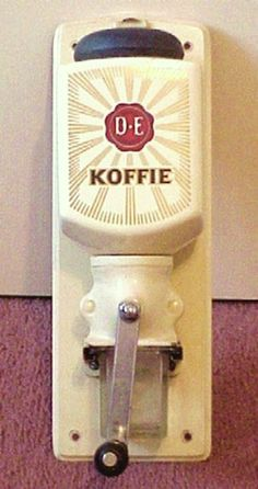 Douwe Egberts coffee mill - just like the one that used to hang on my Oma's kitchen wall! Coffee Tin, I Love Coffee, Coffee Cafe, Coffee Beans, Blue Mountain Coffee, Going Dutch, Childhood Memories, Netherlands, Old Things