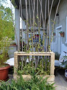 Paravent Végétal En Bois De Palettes / Upcycled Wooden Pallet Vegetal Fence Fences Garden Pallet Projects & Ideas