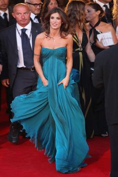 Elisabetta Canalis hits the red carpet at the premiere of her new comedy, at the Sala Grande during the 66th Venice Film Festival on Tuesday (September 8) in Venice, Italy. Elisabetta looked amazing in this strapless gown!